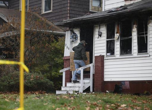 Officials: No smoke detectors in Ohio deadly home fire