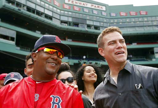 LEADING OFF: Cubs, Red Sox show off trophies at Fenway Park
