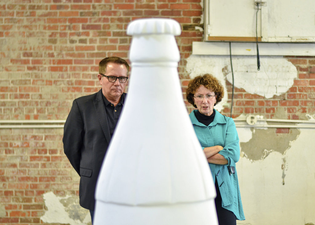 Indiana city's art project highlights Coca-Cola connection