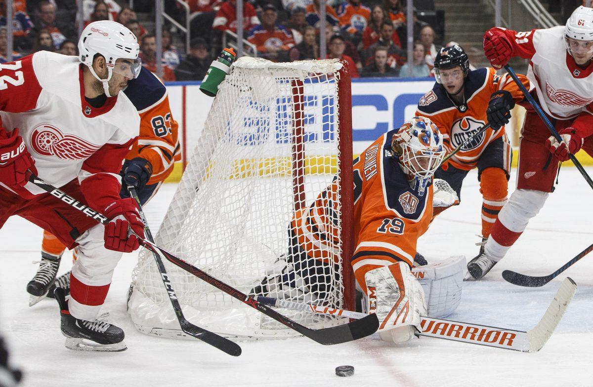 Glendening scores twice, Red Wings top Oilers 3-2