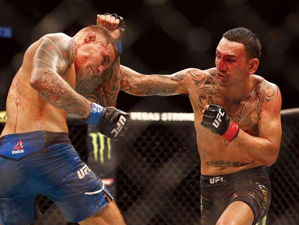 Holloway loses to Poirier in bid for second belt