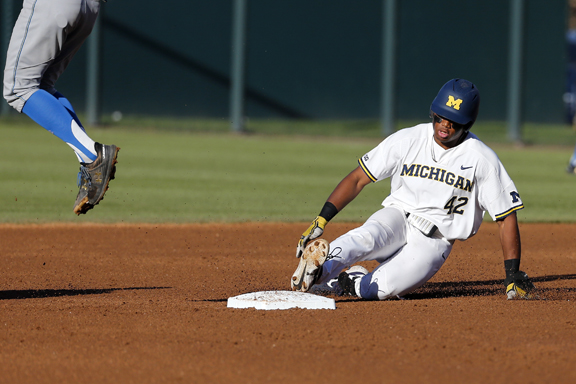 No obstacle too big for Michigan Wolverines baseball team