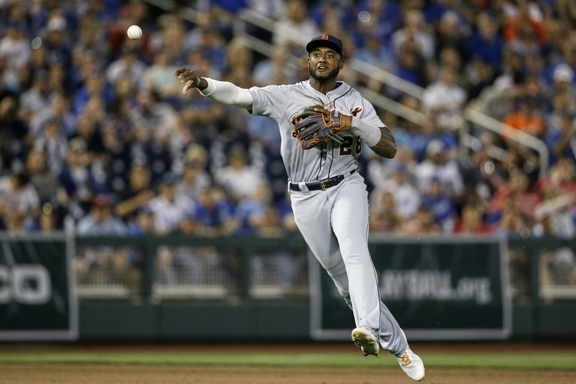 Detroit Tigers lose first Major League Baseball game played in Nebraska, 7-3, to Kansas City
