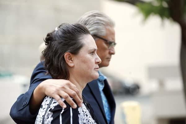 Prosecutor: She 'lies as easily as she draws breath'