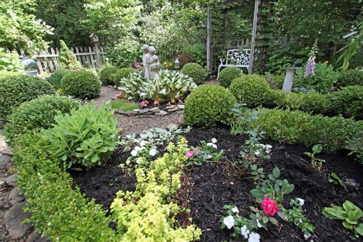 Discounted presale tickets go on sale on Memorial Day weekend for Audubon Community Nature Center's Secret Gardens Tour on Saturday, July 1. Pictured is one of the gardens from a previous tour.  Photo courtesy of Dave Cooney