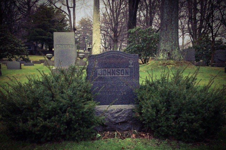 Johnson cemetery plot at Lakeview Cemetery.