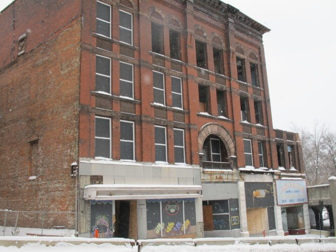 City officials are still seeking funding to stabilize the Arcade Building along North Main Street in Jamestown. The initiative was one of 59 included in Jamestown Mayor Sam Teresi's State of the City report.  P-J photo by Dennis Phillips