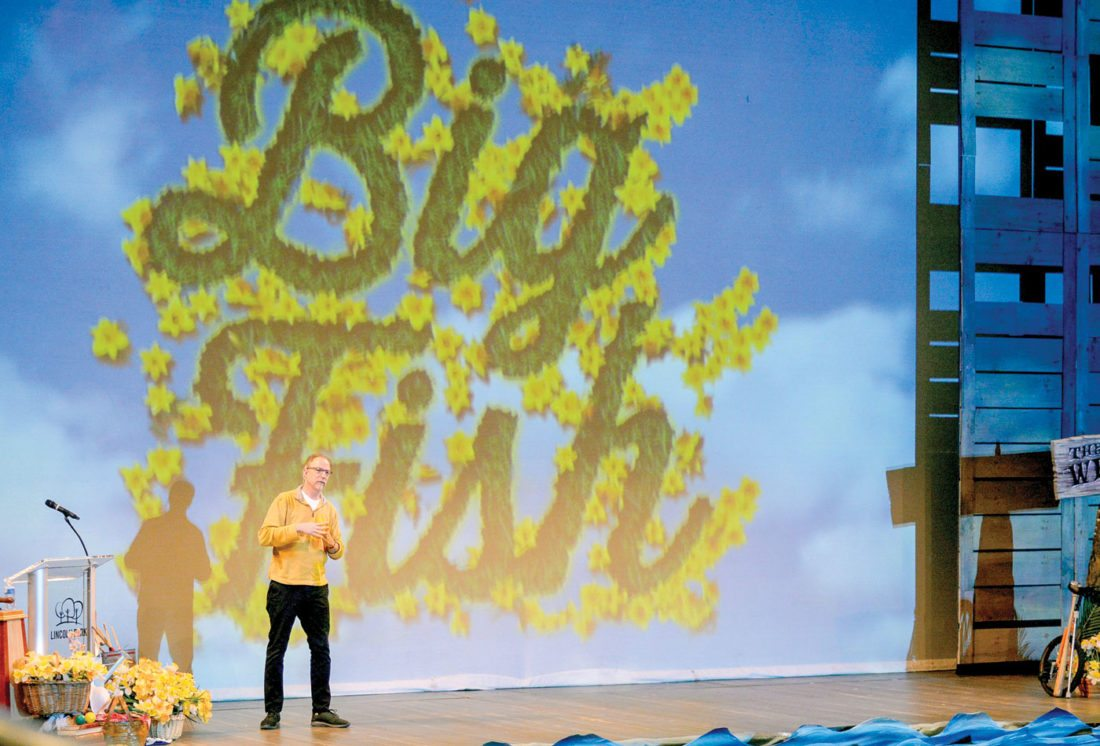 Big Fish\' author visits Lincoln Park | News, Sports, Jobs - The Review