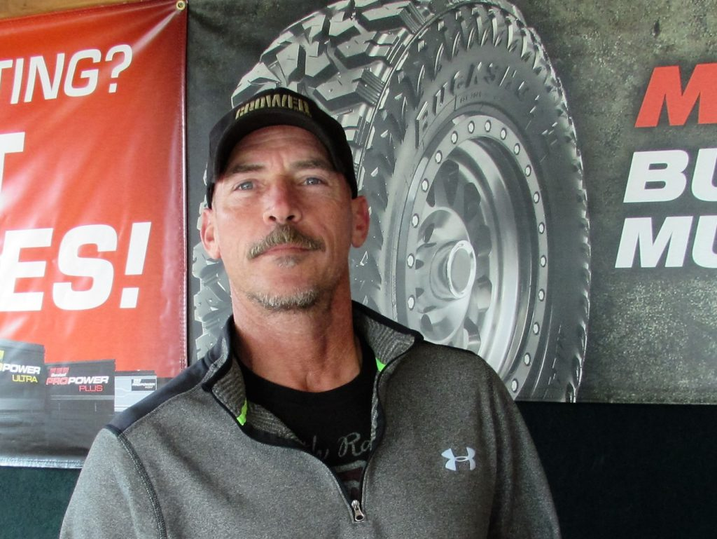Chuck McGhee owns Performance Exhaust and Tire which opened a year ago at 2017 N. Ellsworth Ave. He offers discounted prices for exhausts, mufflers, brake work, tires and light mechanical work. (Salem News photo by Larry Shields)