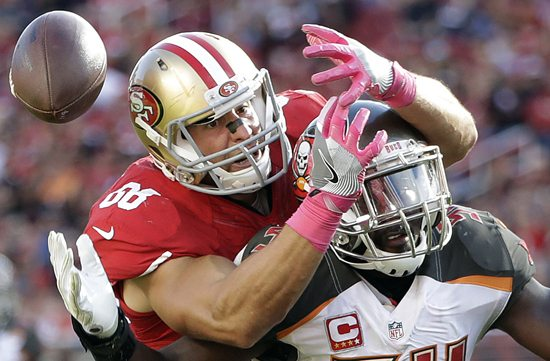 San Francisco 49ers tight end Vance McDonald, left, cannot catch a pass over Tampa Bay Buccaneers outside linebacker Lavonte David, right, during the second half of an NFL football game in Santa Clara, Calif., Sunday, Oct. 23, 2016. (AP Photo/Marcio Jose Sanchez)