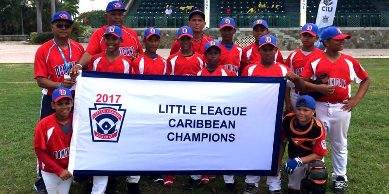 Los Bravos de Ponte­zuela Little League from the Dominican Republic