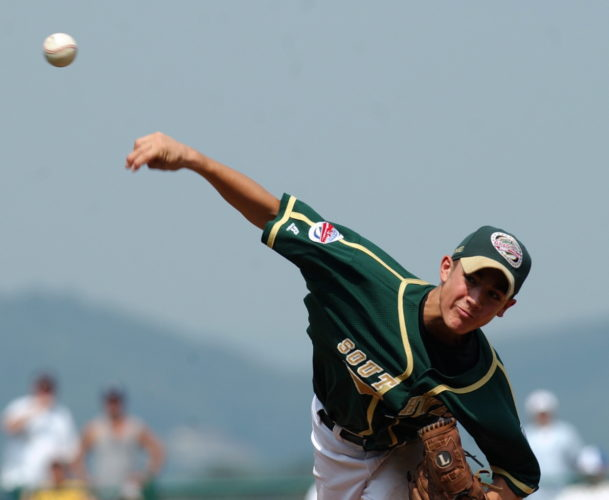 ASSOCIATED PRESS Texas starting pitcher Randal Grichuk delivers in the second inning against Mexico during a consolation game at the Little League World Series in 2004 in South Williamsport. (AP)