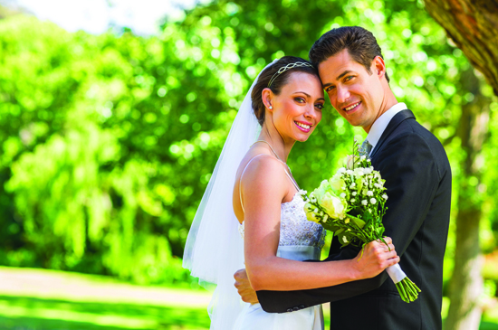 METRO CREATIVE CONNECTION One of the ways couples can save a sizable amount of money on their weddings is to tie the knot on Friday or Sunday instead of hosting a more traditional Saturday afternoon or evening wedding.