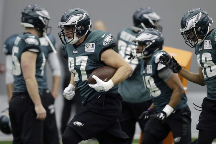 Philadelphia Eagles' Brent Celek (87) returns a kick during practice at the team's NFL football facility, Wednesday, Jan. 17, 2018, in Philadelphia. The Eagles host the Minnesota Vikings on Sunday for the NFC Championship. (AP Photo/Matt Slocum)