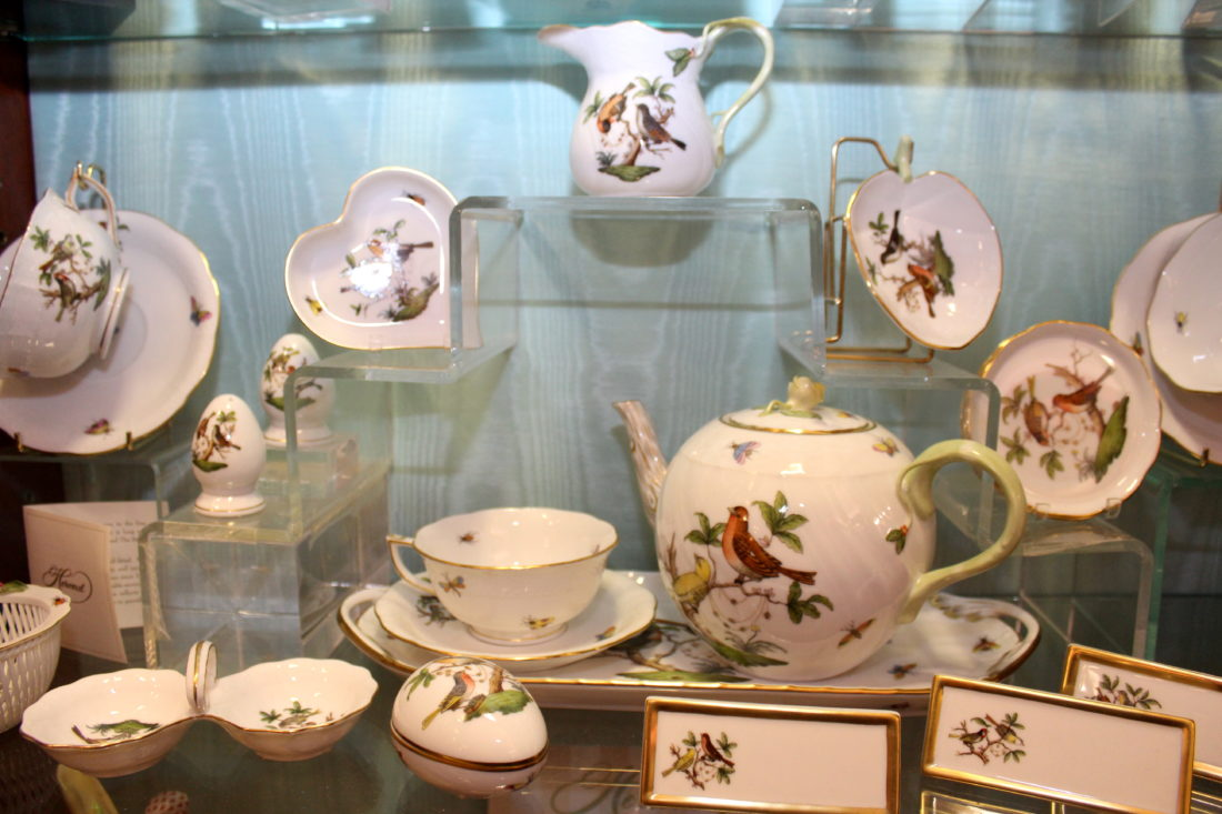 With their showy elegance they are perfect to display at Christmastime or give as gifts. Herend porcelain treasures also include these dinnerware sets. ... & Herend: Luxury China and Collectible Beauty | News Sports Jobs ...