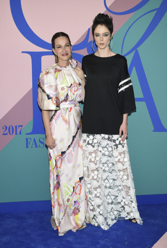 Cynthia Rowley, left, and Coco Rocha attend the CFDA Fashion Awards at the Hammerstein Ballroom on Monday, June 5, 2017, in New York. (Photo by Evan Agostini/Invision/AP)