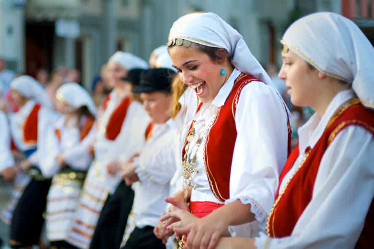 grecianfestdancers