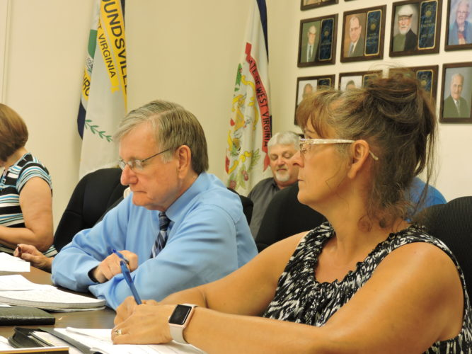 Photo by Alan Olson Moundsville Vice Mayor David Wood voices his concerns that local businesses may not be aware of the impending sales tax during a recent meeting.