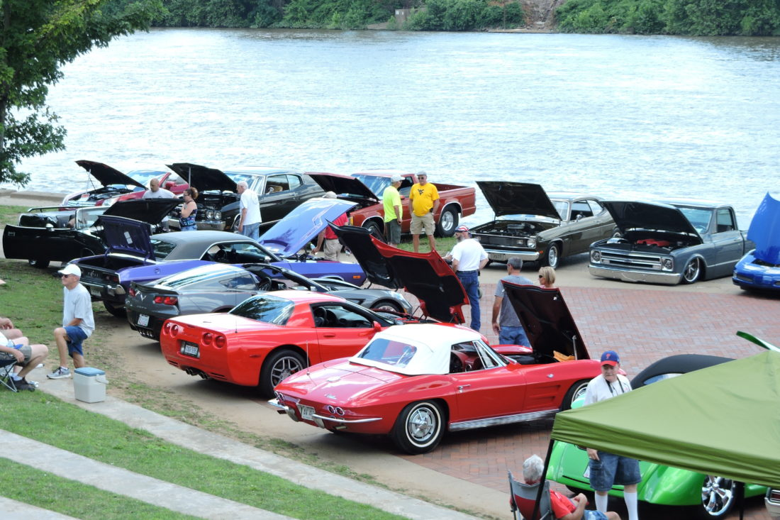 Slideshow Muscle Cars Abound At Heritage Port Car Show News