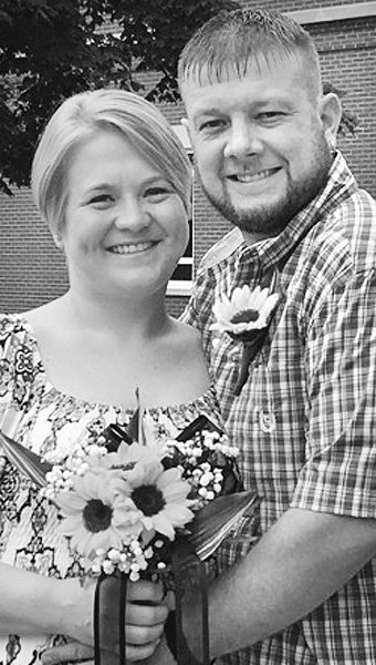 Mr. and Mrs. Timothy Lee Myers Amy Lynn Thornburg