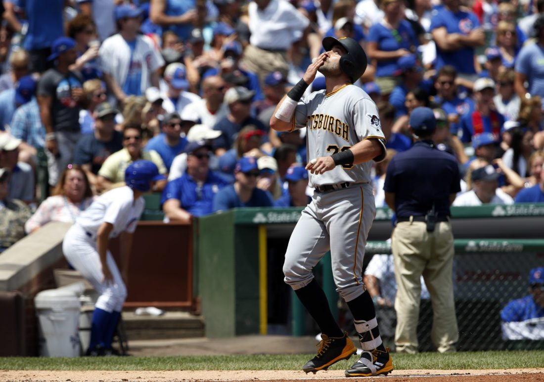Polanco, Nova power Pirates past Cubs