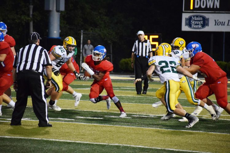 Photo by Scott McCloskey Donnie Evans rushed for 100 yards and a touchdown in last week's loss to Bridgeport.