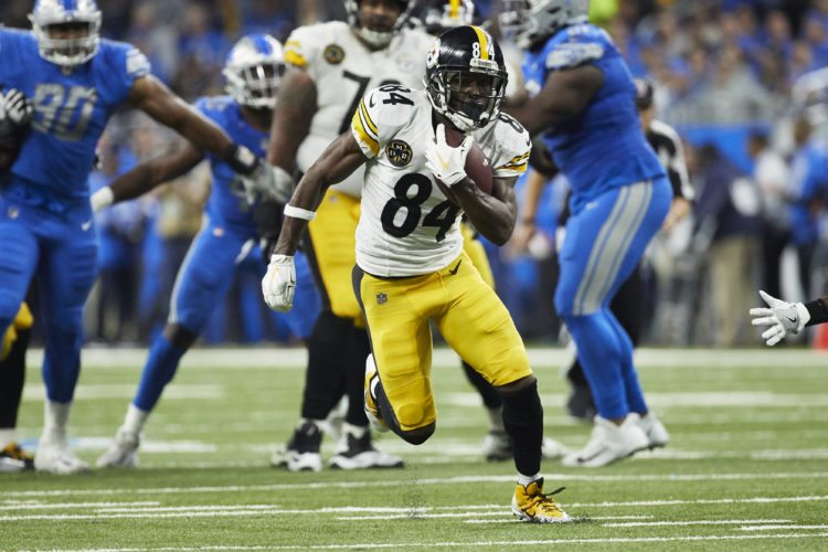 Pittsburgh Steelers wide receiver Antonio Brown (84) runs the ball against the Detroit Lions during an NFL football game Sunday, Oct. 29, 2017, in Detroit. (AP Photo/Rick Osentoski)