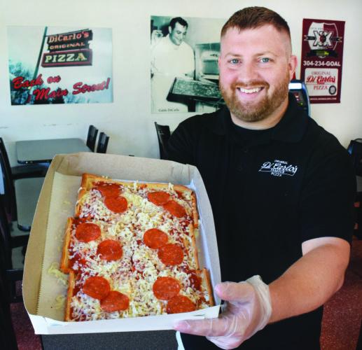 DiCarlos Pizza (1)