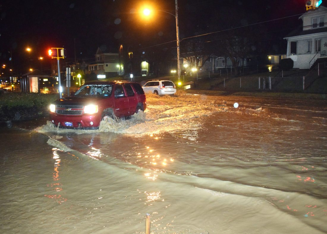 Pomeroy Roads Under Water After Ohio River Floods