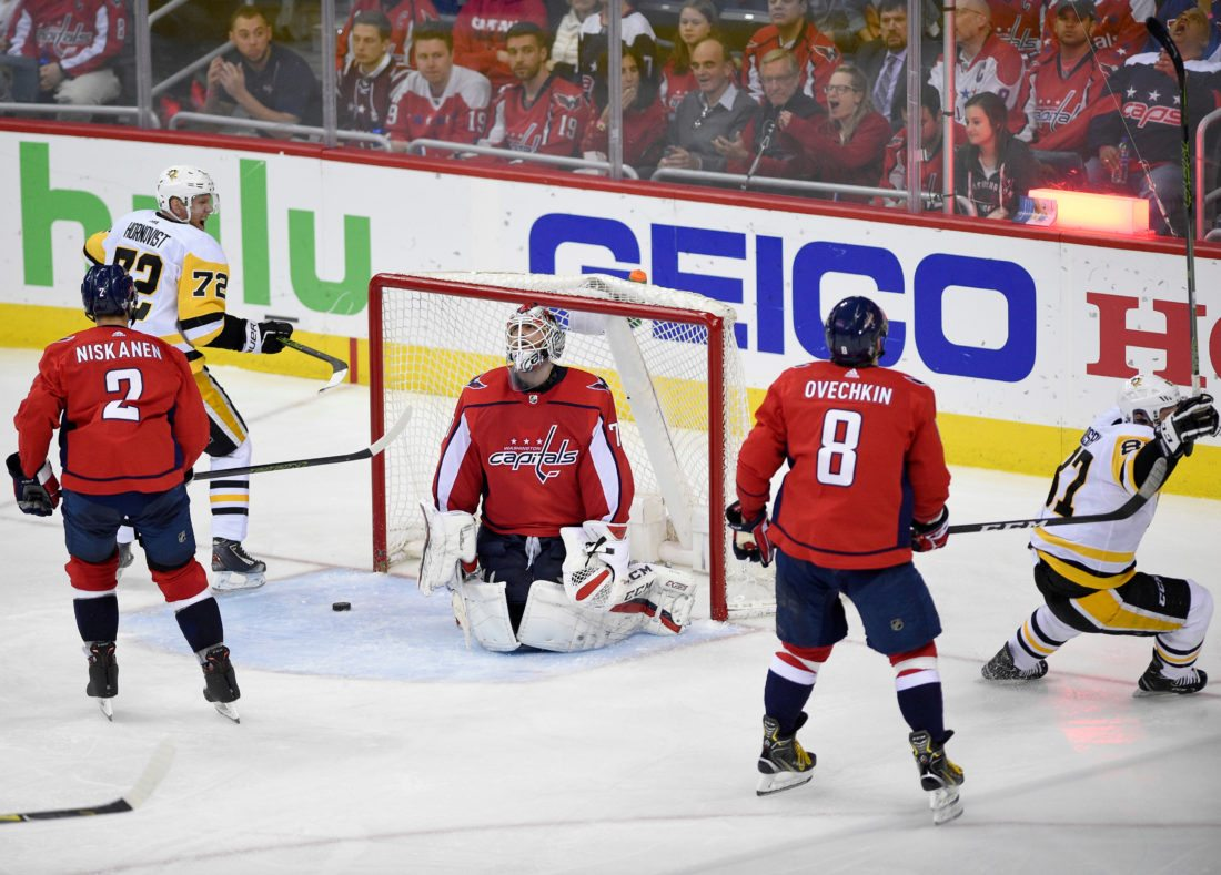 Ovechkin scores, leads Caps over Pens to tie series