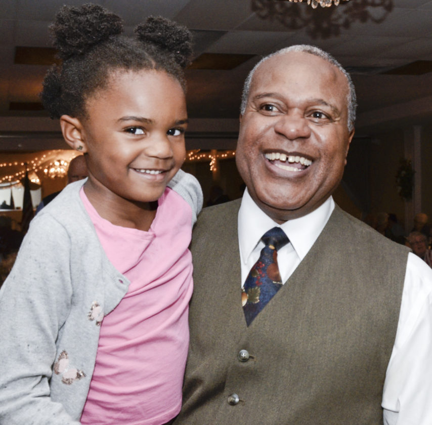 110816...R ELEX 7...Warren...11-08-16... Glenn Holmes, running for Ohio State Rep.  of the 63rd District, right, holds his granddaughter Avery Chambers, 5, of Lordstown, as result come in while at Enzo's restaurant...by R. Michael Semple