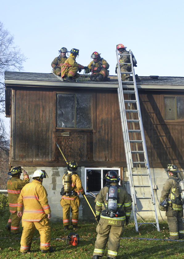 Firefighters from Warren Township, Champion, Braceville and Southington worked together to fight a fire at 4464 Kincaid Road in Warren Township.  The home has been vacant.  Cause of the fire has not been determined.