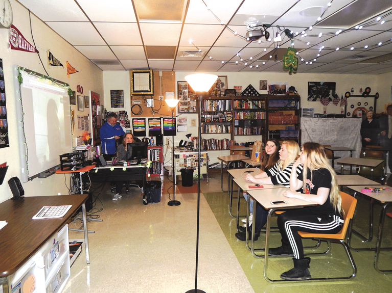 Lordstown High School Has Once A Week Been Skyping With Students At Grand Arts