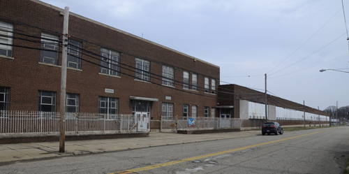 Tribune Chronicle / R. Michael Semple This is an exterior view of the former Delphi plant where Warren native Christopher  Alan wants to build his AutoParkit manufacturing facility. He said he met with the property owner last week and expects to hear soon about the sale of the land.