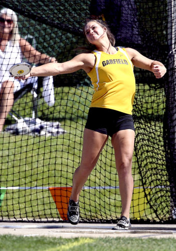 MICHAEL G. TAYLOR- 06-02-17 OHSAA State Track & Field Championships. D2 Girls Discuss,, Garfiled's Lauren Jones throws 157-09.00 ft. to win her 3rd straight state title.