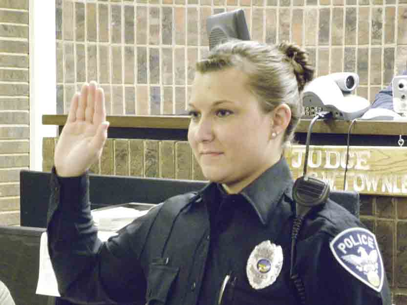 Two Officers Take Oath In Niles News Sports Jobs Tribune Chronicle