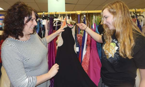 Prom dress giveaway helps to create memories   News, Sports, Jobs ...