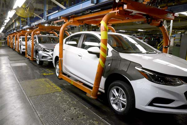 GM Cuts Hundreds of Jobs at Ohio Plant as Car Sales Slide