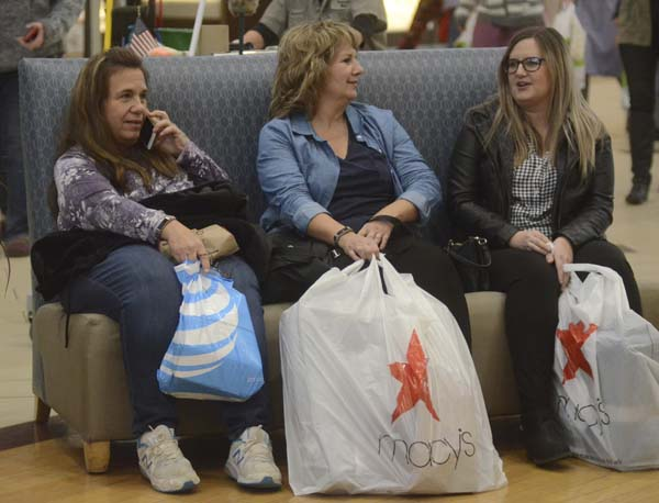 Black Friday Shoppers Flood Ross Park Mall In Search Of Deals