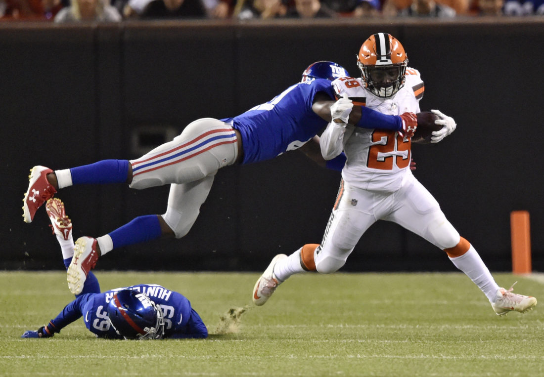 Browns edge out win over Giants