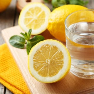 8 Powerful Reasons Why People Drink Lemon Water (And Why you Should too!)