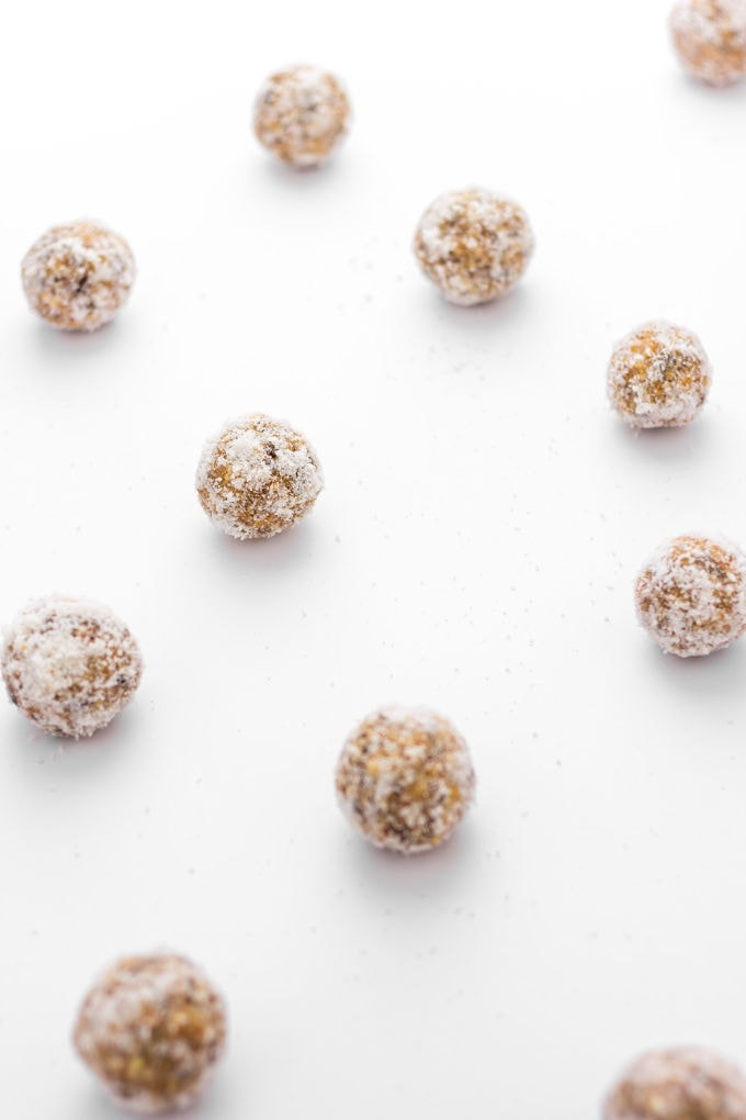 These Apricot Protein Balls are naturally sweetened, easy to make and SO tasty! | www.onecleverchef.com