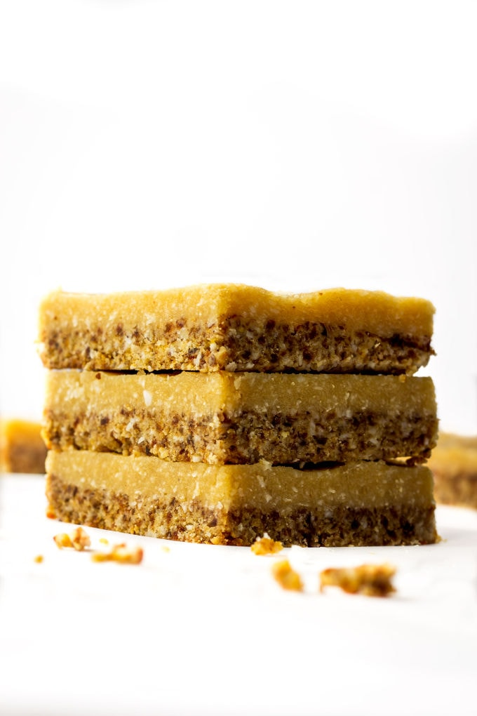A Healthy No-Bake Vegan Vanilla Slice. This delicious, guilt-free, melt in your mouth dessert is smooth, creamy, naturally sweetened and made with real food! Paleo, Vegan, Gluten-Free, Dairy-Free! | www.onecleverchef.com