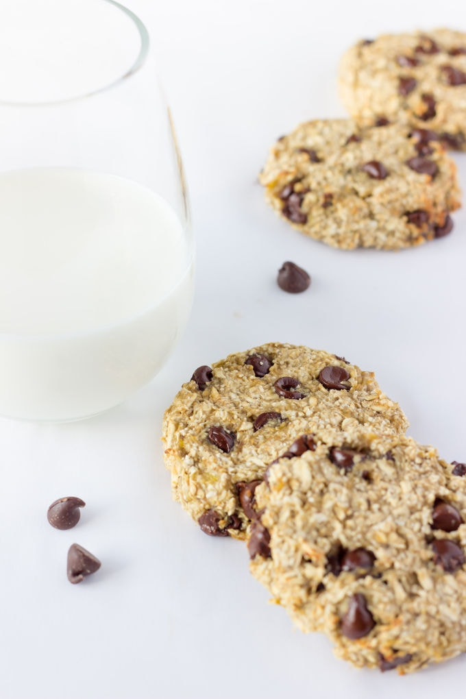 These healthy, chewy and soft 3 ingredient banana oatmeal cookies are ...