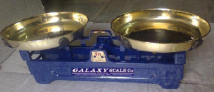 WEIGHING SCALE BOTH SIDE BRASS PLATED DISH
