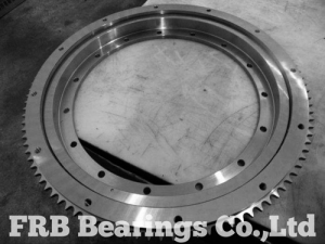 IMO flanged slewing bearing 91-200641-07132