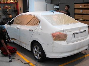 Macautocare provide car detailing service in Delhi