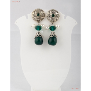 Fashion Jewellery Earrings - Emerald green drop with a silver touch give this earrings a royal look