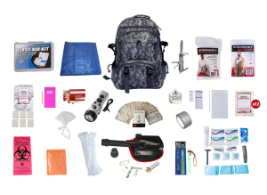 HUNTER'S DELUXE SURVIVAL KIT WITH DELUXE CAMOUFLAGE BACKPACK