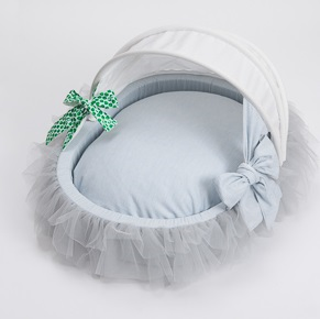 Louis Dog Amazing Tulle Cradle in Soft Blue